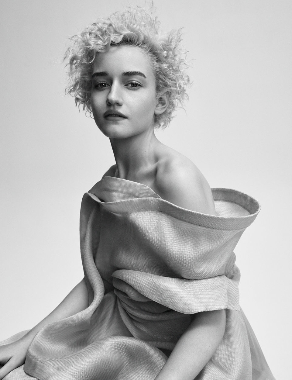 Celebrity Photographer Michael Schwartz: Julia Garner for S Moda Magazine